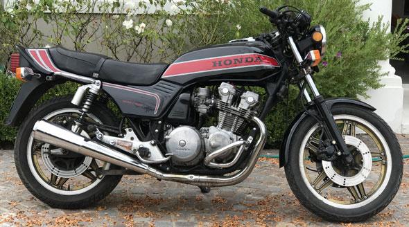 Moto Honda CB 900 Bol Dór
