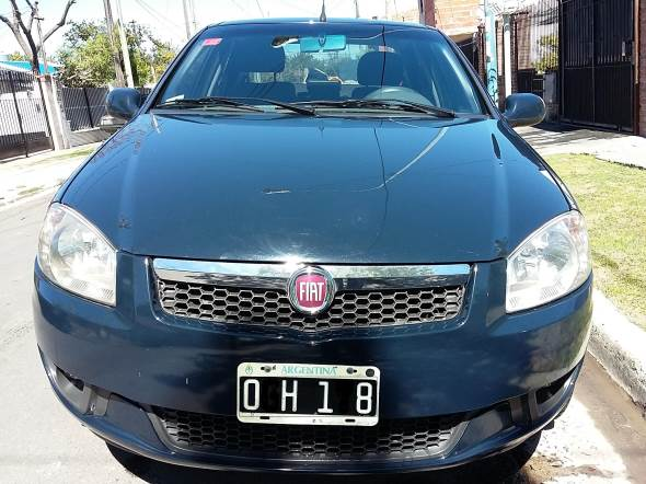 Car Fiat Siena Essence 1.6 16v Linea 2014