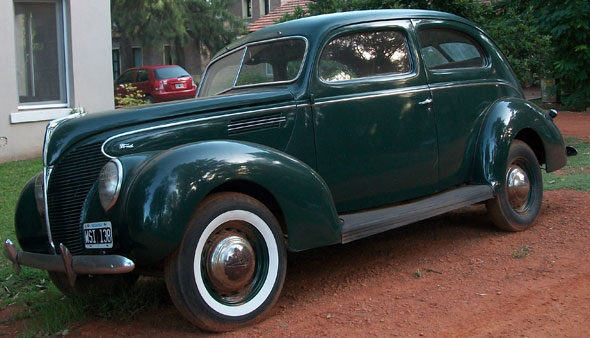 Car Ford Sedán 1939