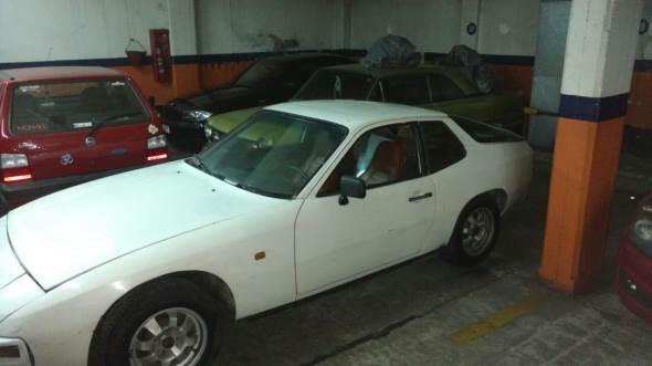 Auto Porsche 924 S 1980