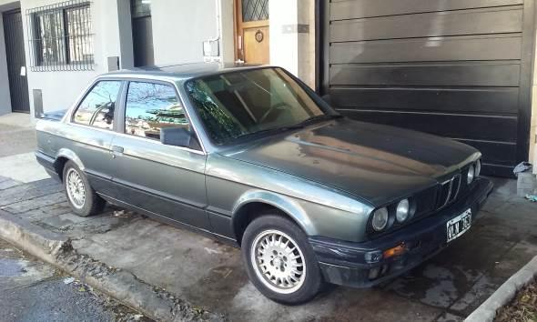 Car BMW E30 325 I 1990