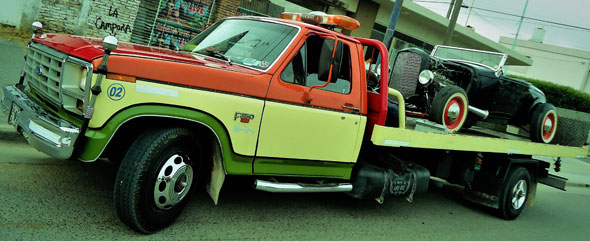 Car Ford F350 Grua