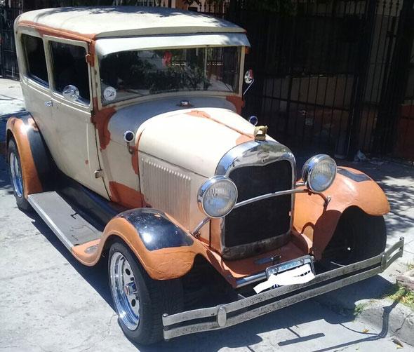 Auto Ford A Sedán 1929