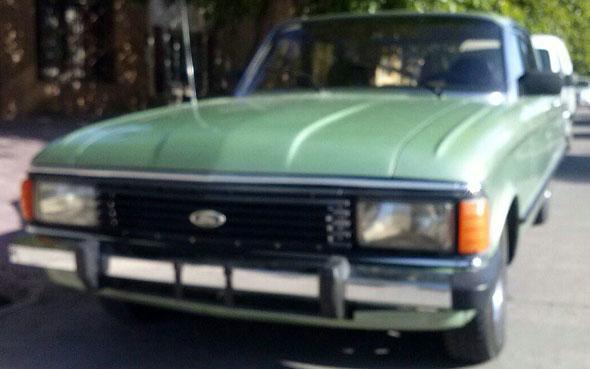 Auto Ford Falcon Deluxe 1984