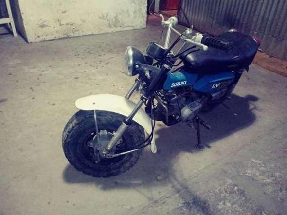 Suzuki RV 90 Motorcycle