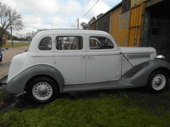 Auto Dodge De Luxe 1935