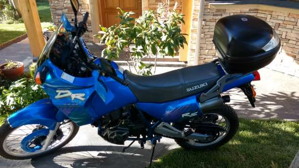Moto Suzuki DR 650 RSE